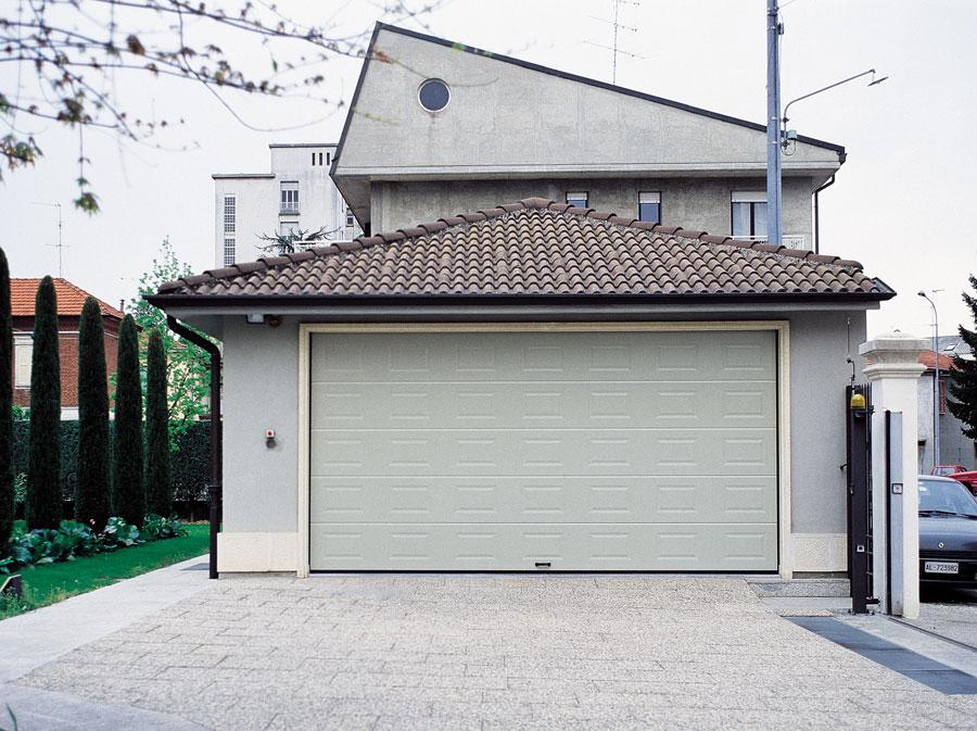 Portoni sezionali per garage e box auto