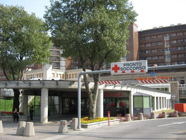 Porte ad impacchettamento rapido Iridium Doors Ospedali civili di Brescia