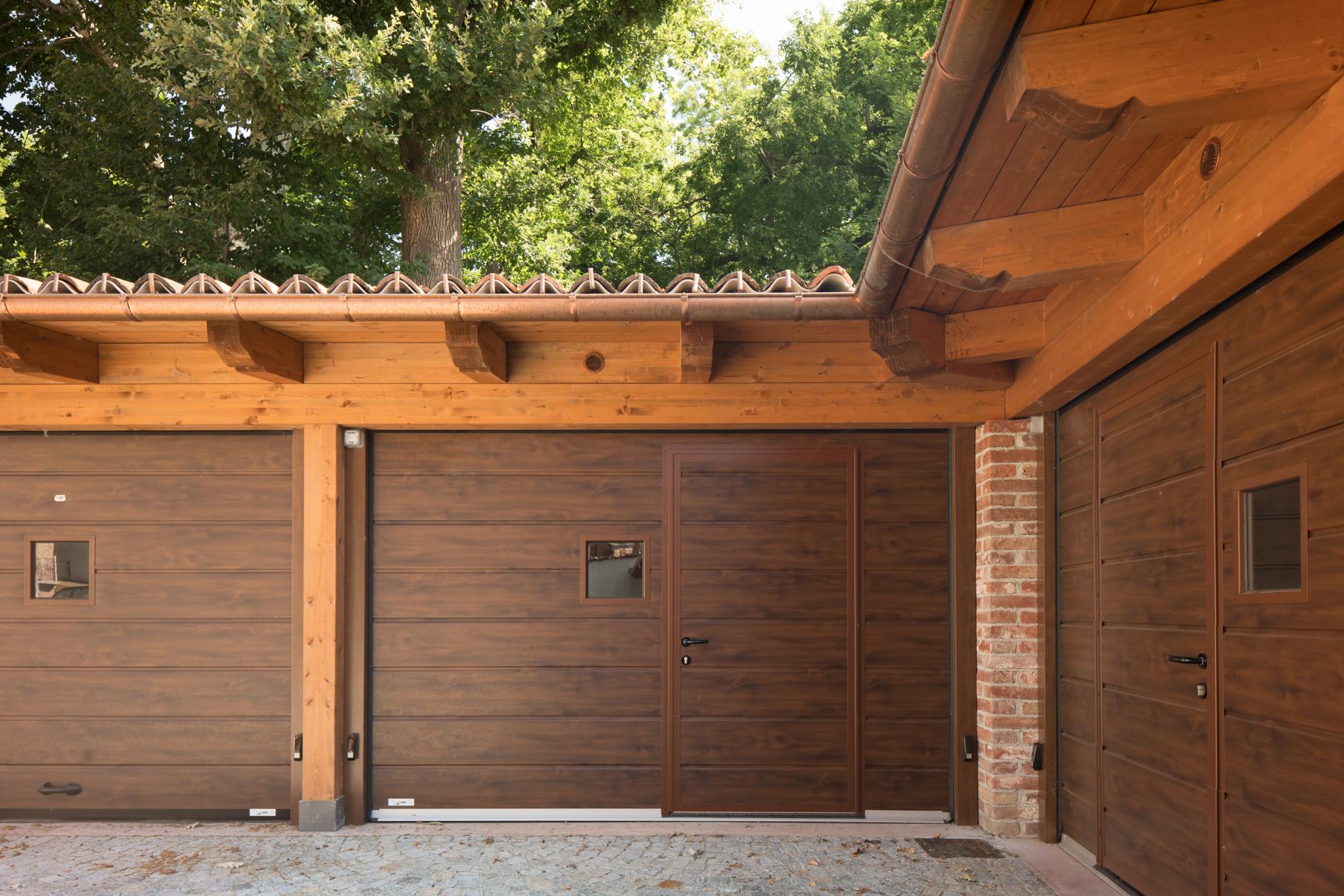 portone verticale garage