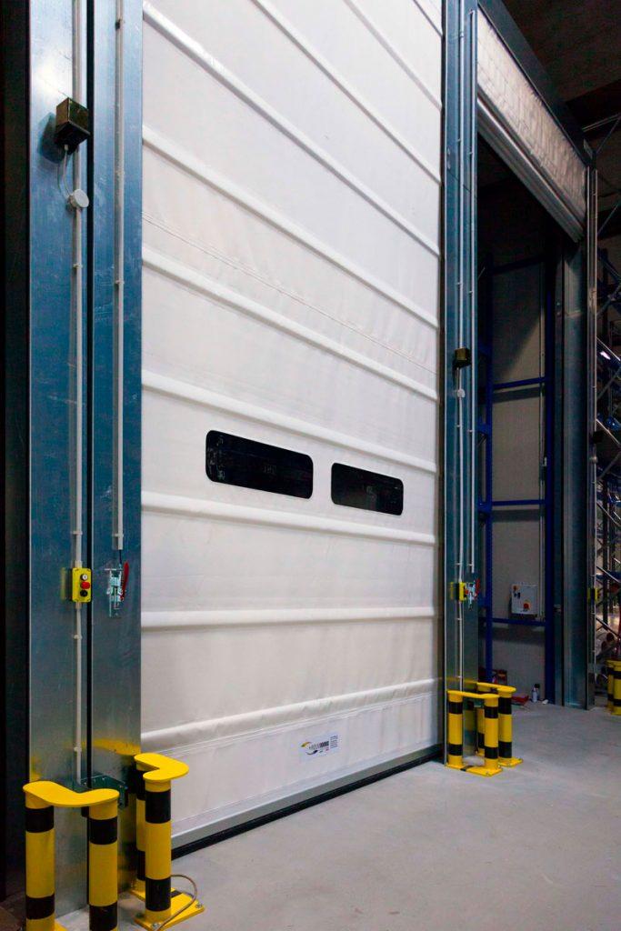 Porta rapida per capannone industriale