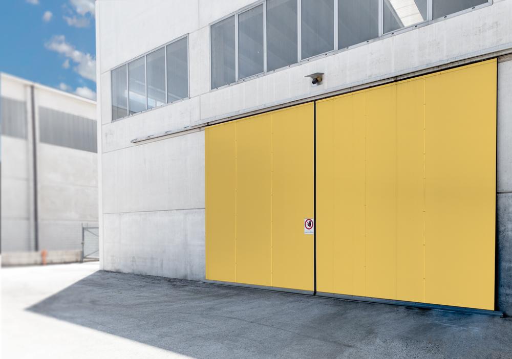 Portoni industriali standard e su misura per capannoni